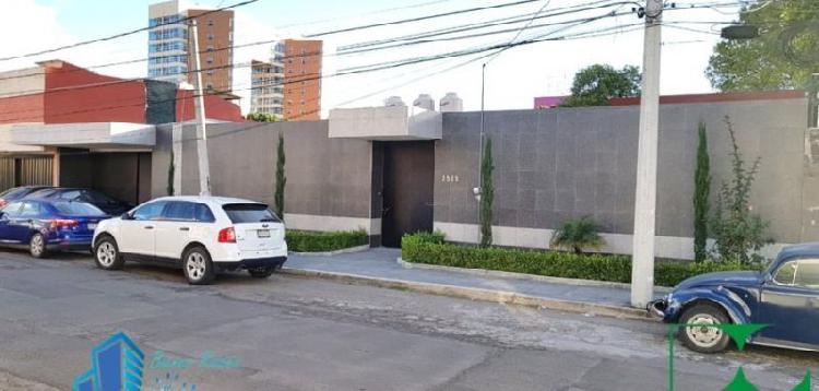 RENTO CASA PARA OFICINAS EN LA COL. LA PAZ, PUEBLA. ENTRE