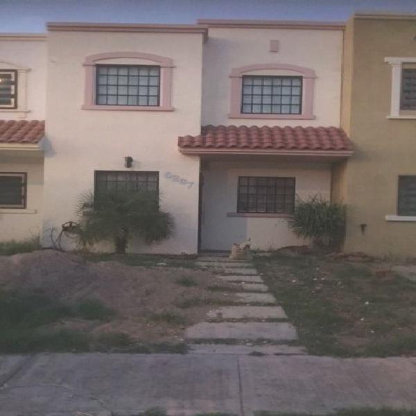 Rento Casa 2 Recámaras en Fracc. Stanza Toscana $4,500 /