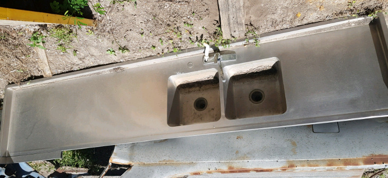 Tarja o cubierta de acero inoxidable