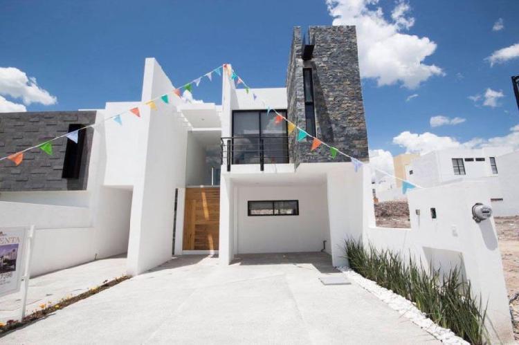 Venta Casa Nueva 2 Plantas, 3 Recamaras con Baño, Lomas de
