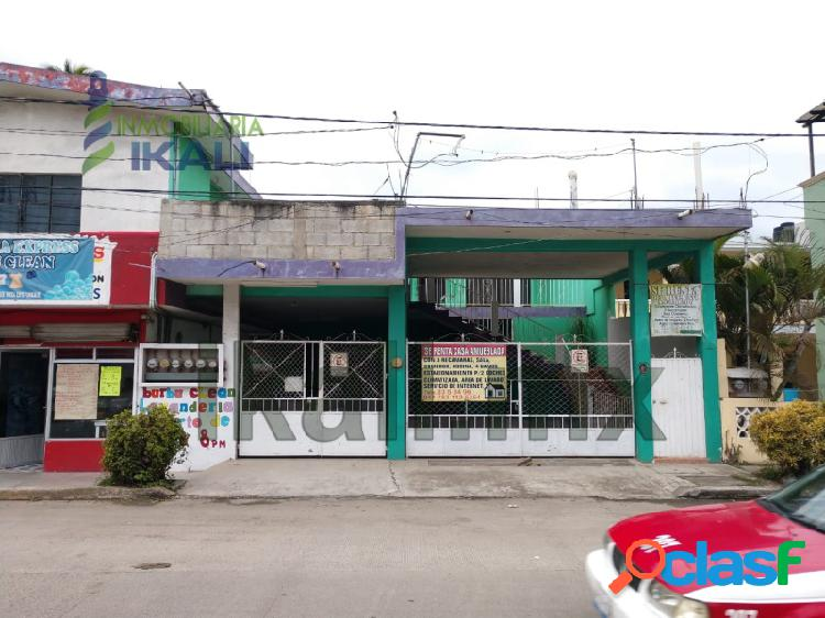 se renta casa amplia tuxpan ver en la colonia Ruiz Cortines,