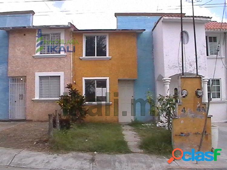se vende casa en tuxpan ver, en la colonia Reyes Heroles,