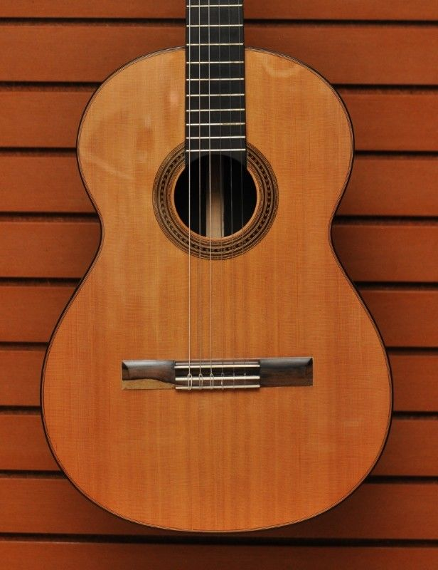 Guitarra clásica de concierto de Palo de Rosa, Cedro café