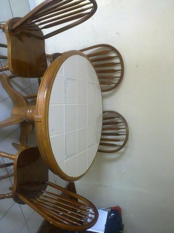 Remate de Antecomedor de 4 sillas de madera fina