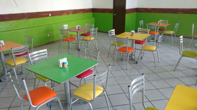 Venta de sillas y mesas para restaurante y bar