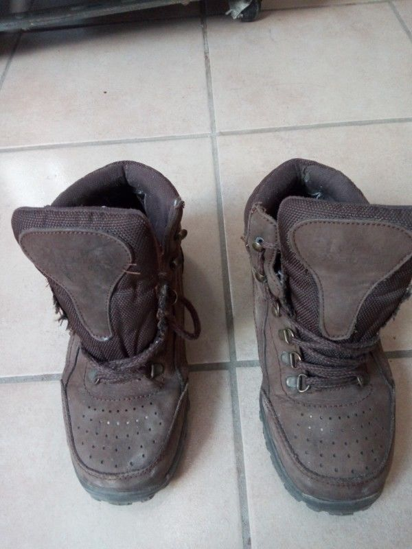 Botas de la marca PMA jjor, muy poco uso.