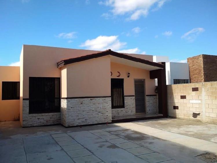 Casa en renta en Merida amueblada, en privada residencial.