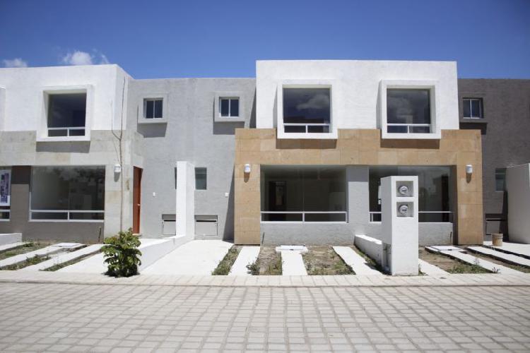 Casa en venta Juan C. Bonilla 3 recámaras,Excelente