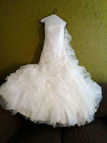 Vestido de novia NUEVO talla 4 es chico, esta hermoso, costo