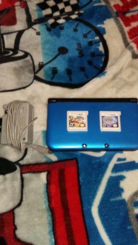 Nintendo 3ds Usada Con Cargador Y Dos Juegos De Regalo