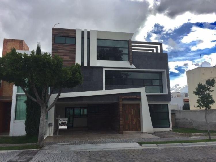 Casa en Venta frente a Área Verde, Lomas de Angelópolis I