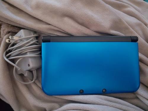 Nintendo 3ds Xl Azul! (incluye Cargador, Tarjeta Sd 8g Y R4)