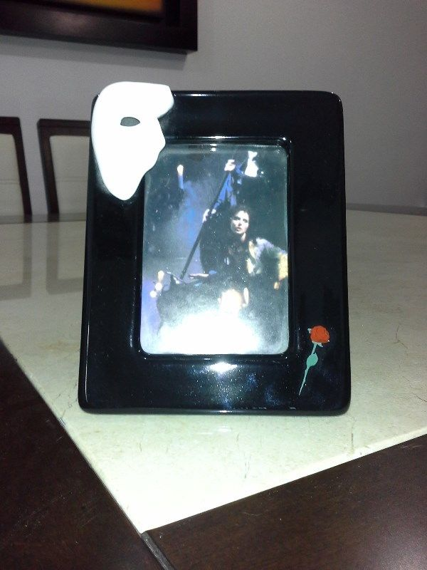 Porta retrato de cerámica, tema del fantasma de la ópera,