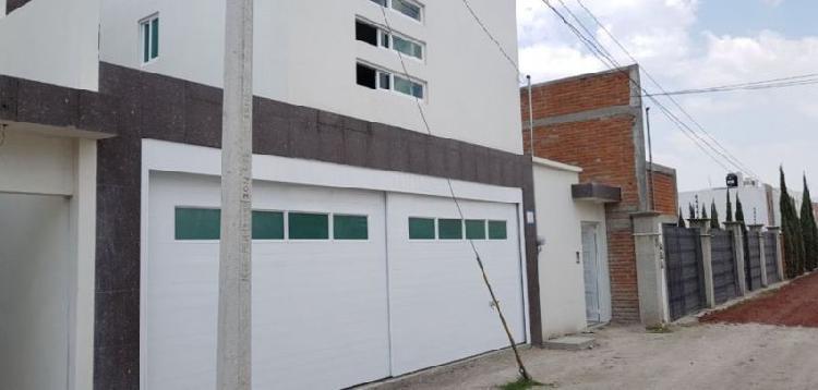 RENTO CASA NUEVA UBICADA EN MORILLOTLA. A 2 MIN. DE UVM Y 5