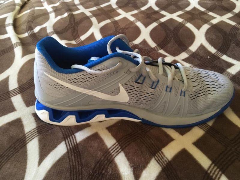 Tenis Nike originales nuevos del  cel
