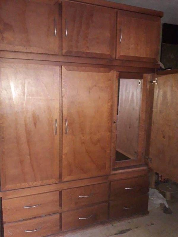 Amplio Ropero (closet) de Madera Abedul