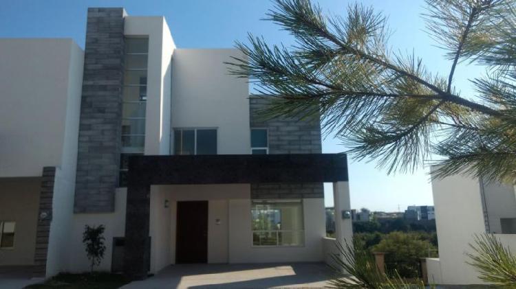 Casa en venta 3 recamaras Lomas de Angelopolis Azul