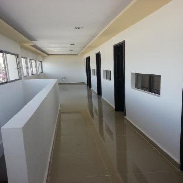 habitacion ejecutiva de lujo, muy centrica, clima, limpia,