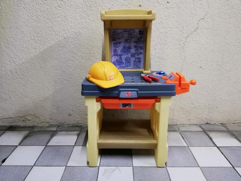 Mesa de trabajo de juguete step 2 little tikes para niños