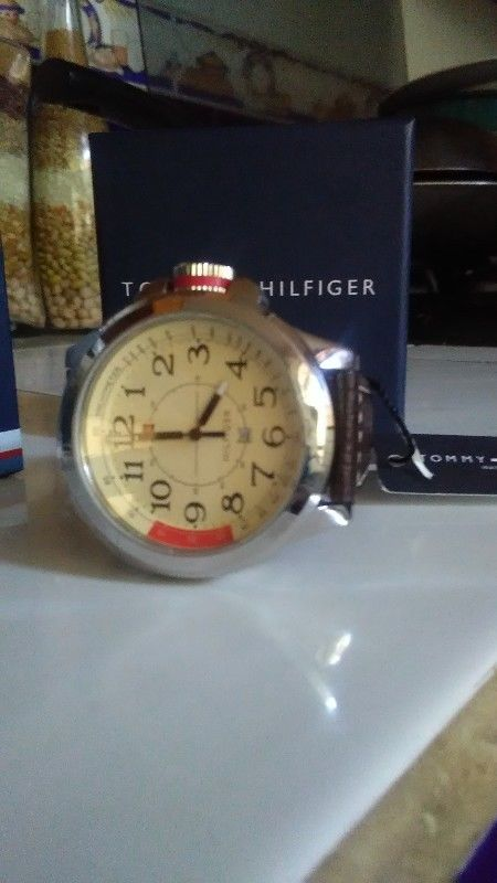 Reloj Tommy nuevo