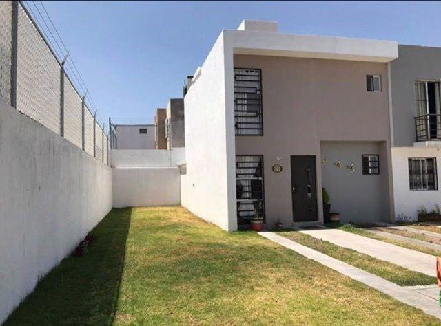 Renta Casa amueblada 3 habitaciones, 3 baños, Querètaro.