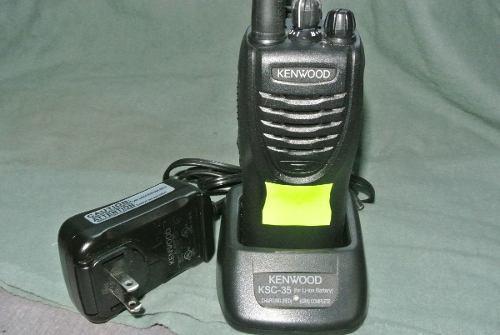 Radio Kenwood Tk3302 Portátil Uhf Completo