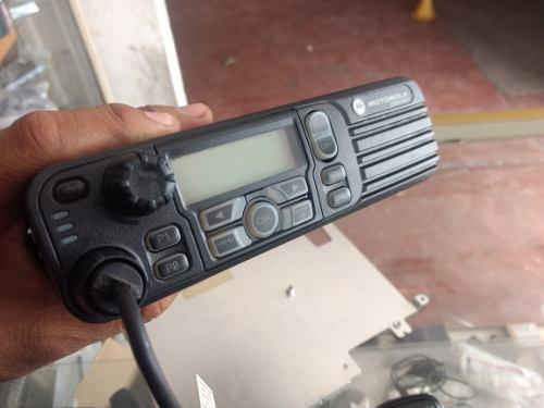 Radio Mobil Motorola Mototrbo Dgm 6100 Uhf 40 Watts