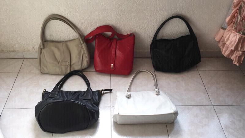 Lote de 5 bolsas de piel para mujer