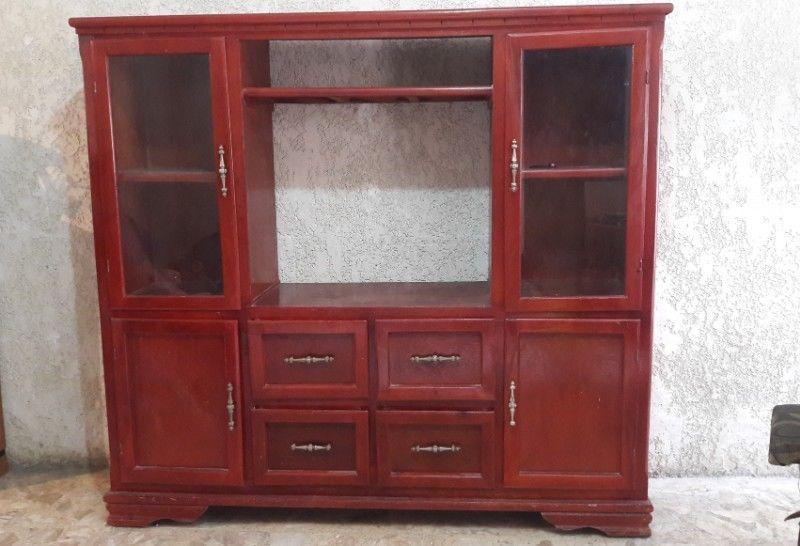 Mueble de madera para T.V.