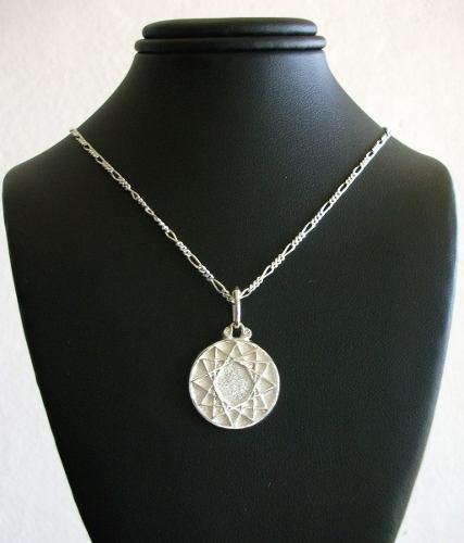 Cadena Y Medalla Dije Estrella De 12 Puntas En Plata.925