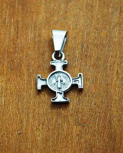Dije De Plata Cruz De San Benito Vaticana