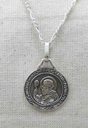 Dije San Benito Medalla Plata.925 Incluye Cadena Modelo 001
