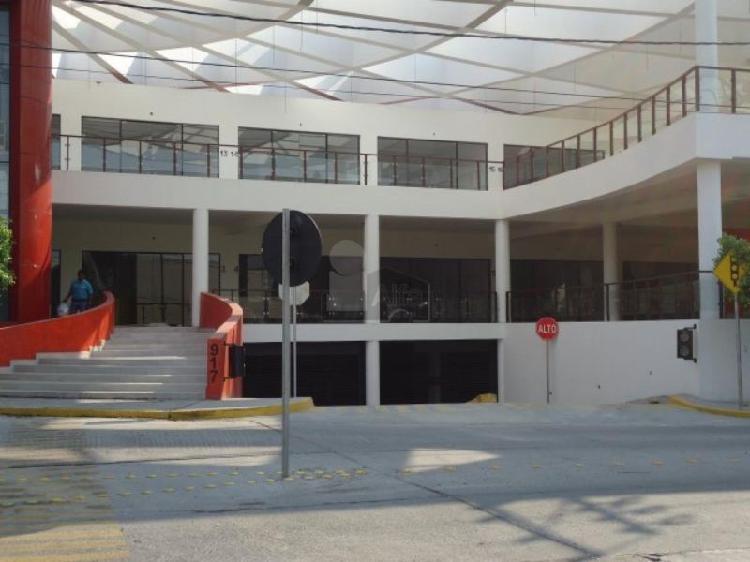 Locales en renta en Plaza comercial Blvd. Nicaragua col.
