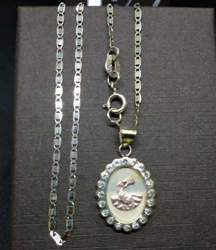 Medalla Bautizo Con Circonias Y Cadena Gucci 10k Oro Solido