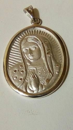Medalla Grande De La Virgen De Guadalupe En Plata Fina.925
