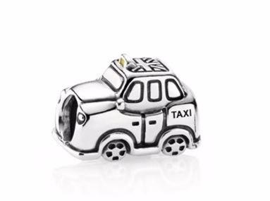 Pandora Charm De Taxi
