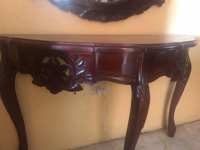 Consola de mesa y espejo de madera