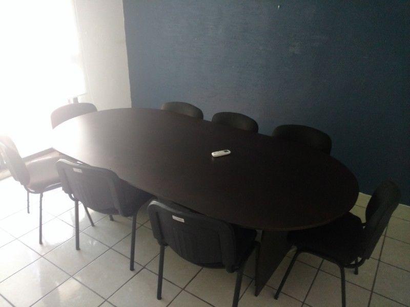 Se Vende Un Conjunto Nuevo De Muebles Para Oficina
