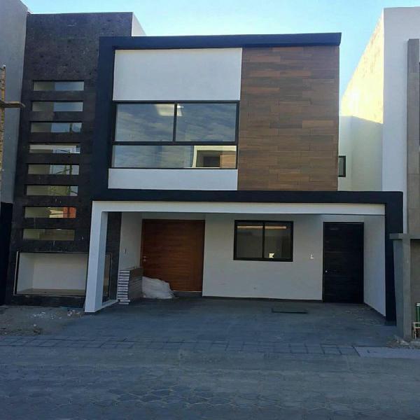 Casa 3 recámaras con baño en Fraccionamiento Monteolivo