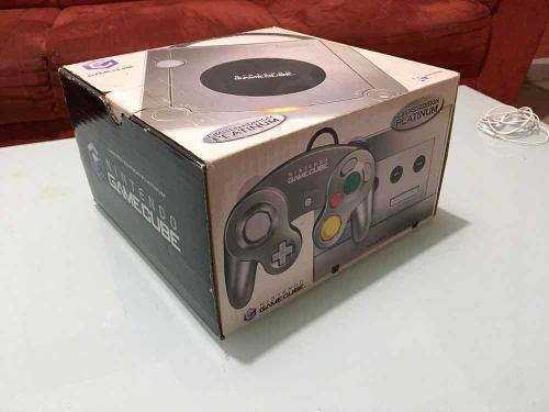 Consola Nintendo Gamecube En Caja Con Videojuegos.