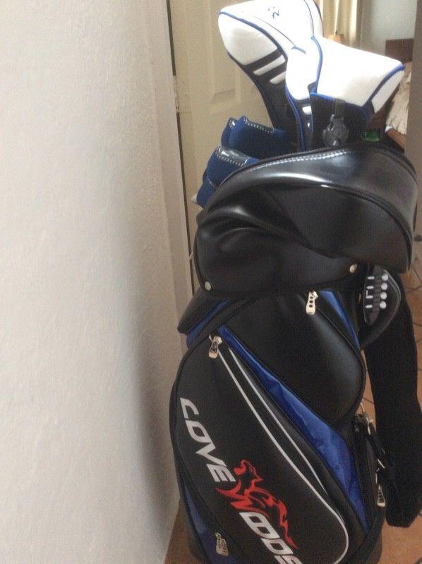 Set seminuevo de palos de golf Cove Woods 13 piezas