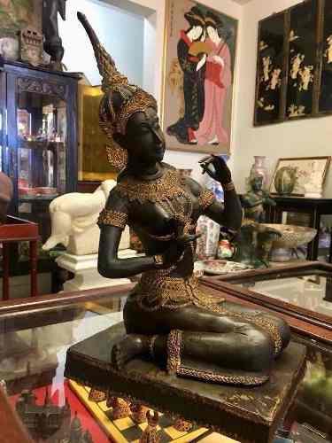 Diosa Tailandesa. Antigua Escultura De Bronce Patinado. 53cm