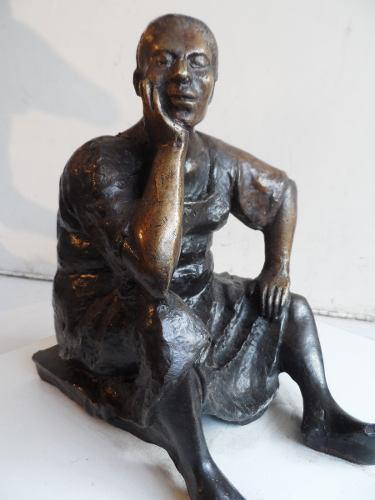 Escultura De Bronce Figura De Mujer Escutor Camacho Bronce