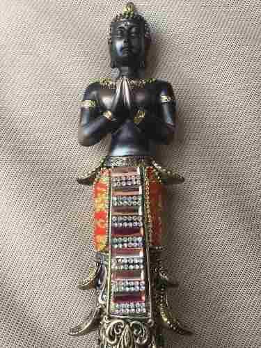 Estatua De Buddha Avalokiteshvara Quan Yin En Plegaria
