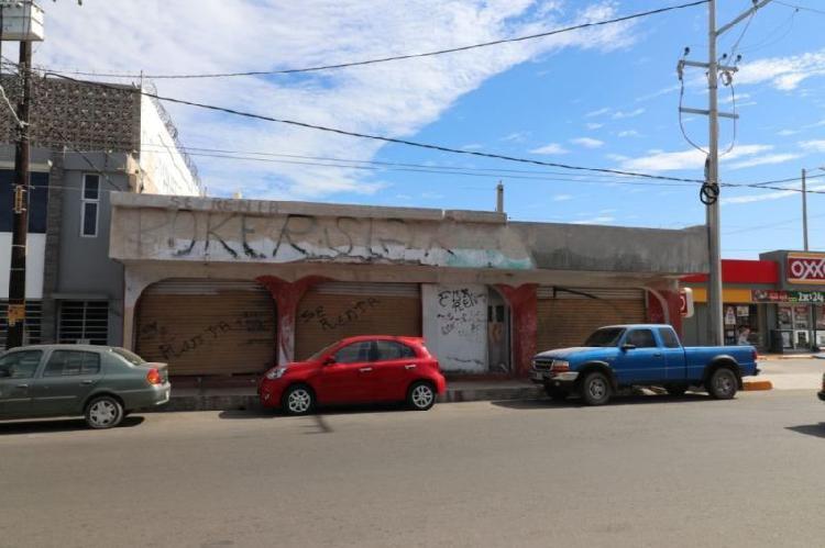 LOCAL COMERCIAL EN CENTRO DE MAZATLAN A DOS CUADRAS DE