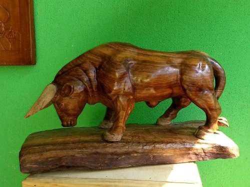 Toro Escultura En Madera Fina De Huanacastle/sobrepedido