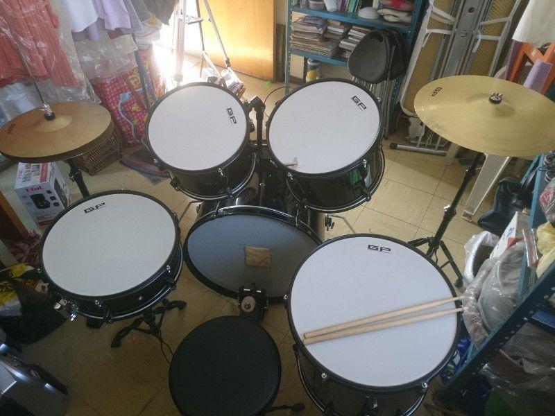 Batería acústica Greggs Percussion GRGG--BK