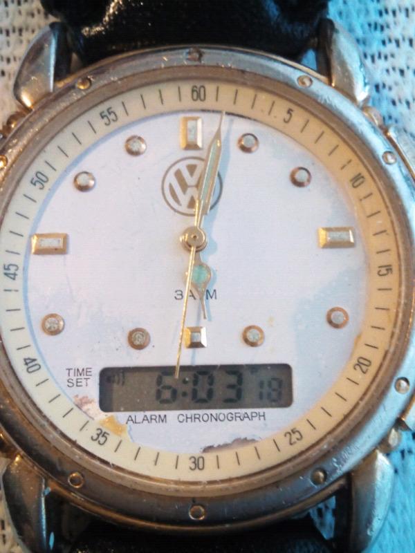 Reloj VW analogo digital cuarzo