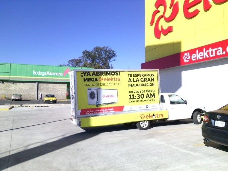 Renta de Espacios Publicitarios Espectaculares y camiones
