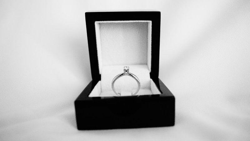 Anillo Compromiso Oro Blanco 14K Diamante
